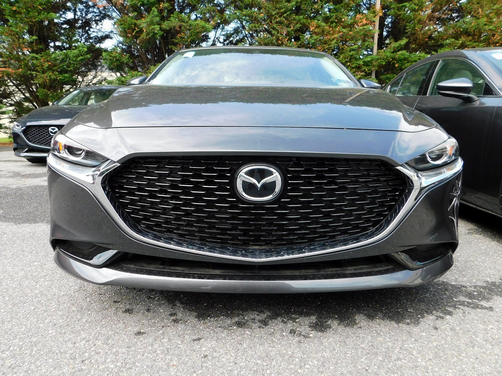 New 2019 Mazda3 Sedan w/Preferred Pkg