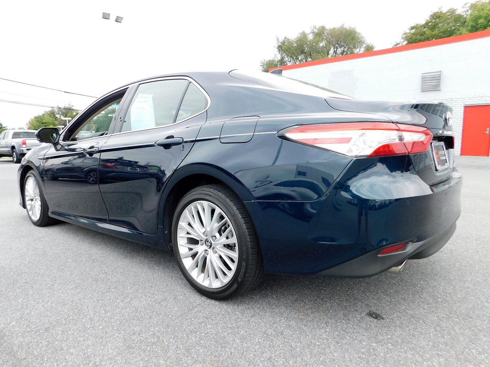 Pre-Owned 2018 Toyota Camry XLE V6
