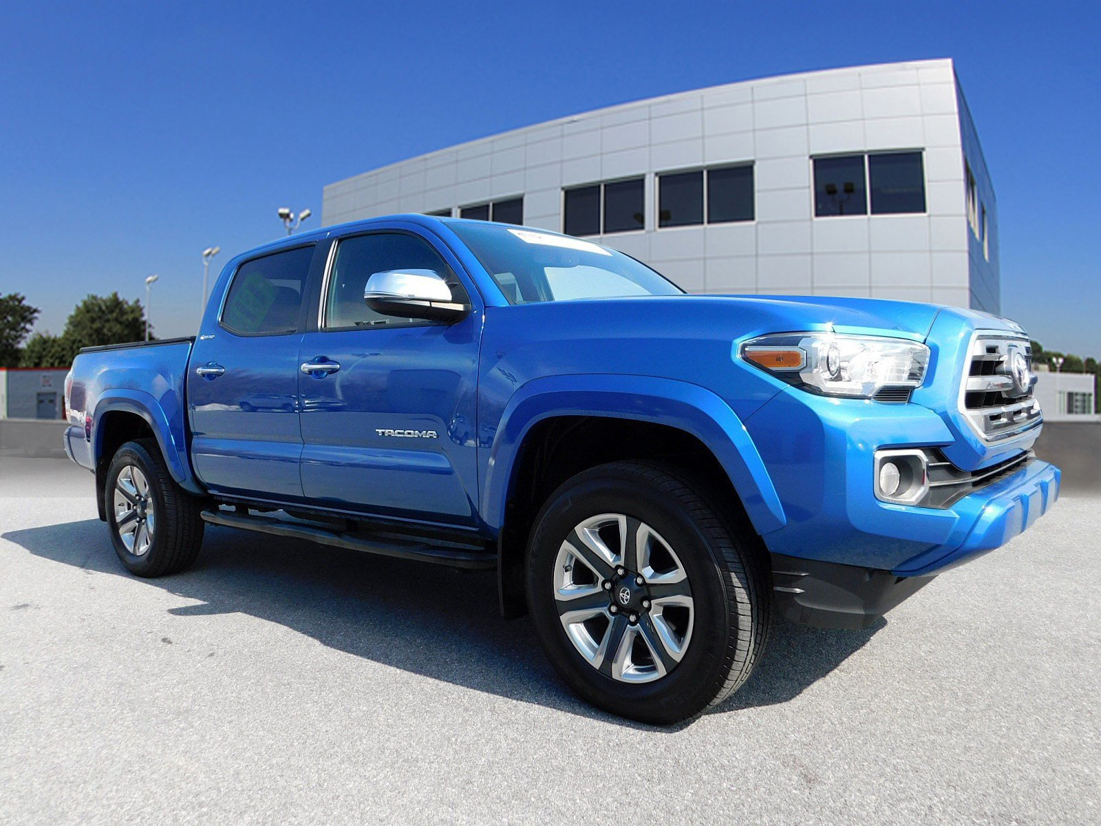Pre Owned 2016 Toyota Tacoma Limited