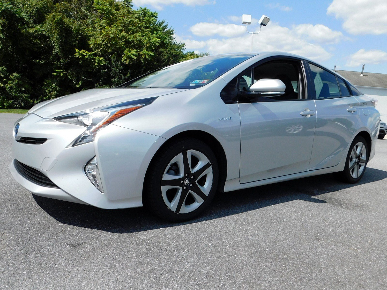 Pre-Owned 2017 Toyota Prius Four Touring