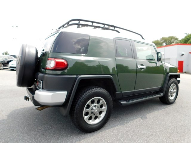 Pre-Owned 2013 Toyota FJ Cruiser 4DR 4WD AT